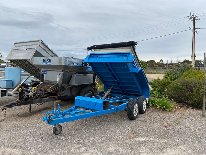 blue tipper trailer for hire